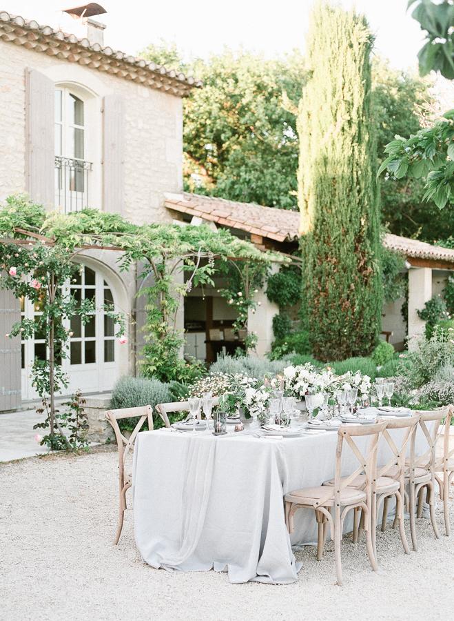 wanderlustwedding_rorywylie_provence_wedding_editorial-46