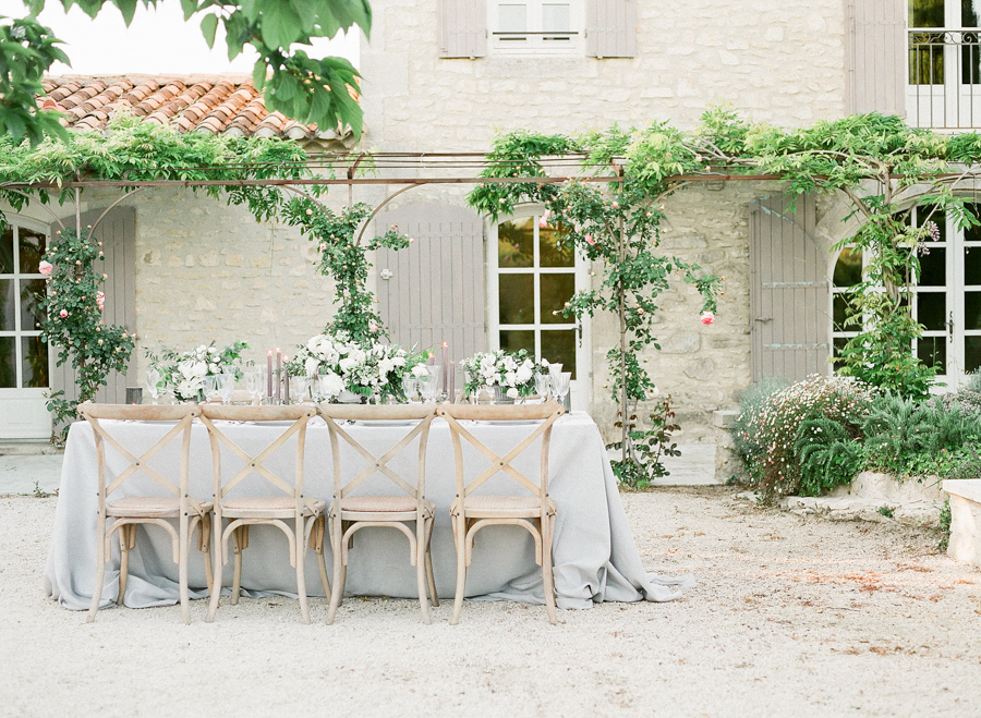 elegant table for a provence wedding